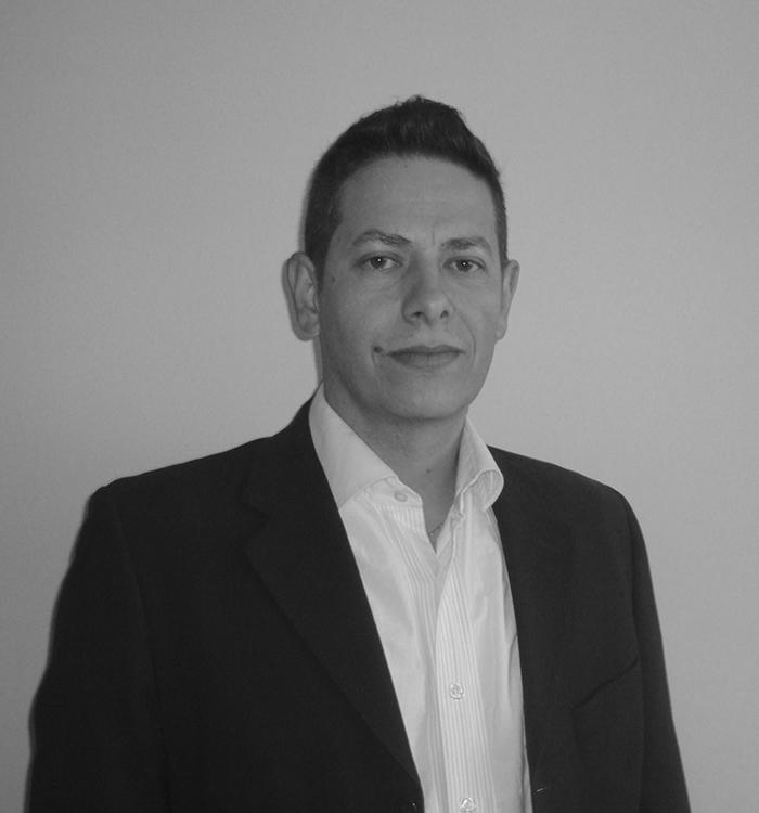 José Luis Ghiloni el serio